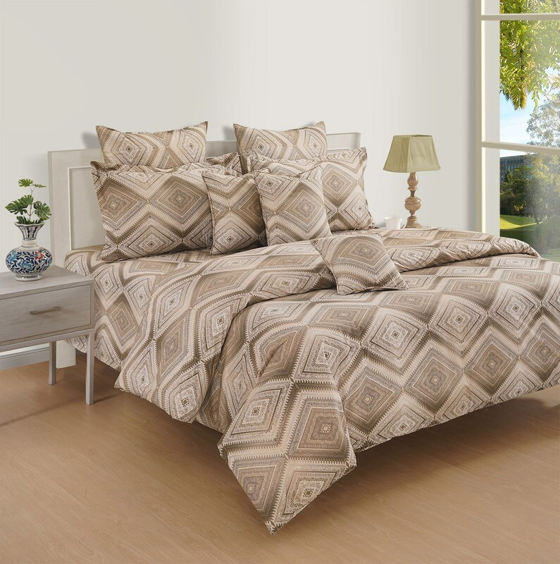 Swayam Brown Aztec Love 180 TC Cotton Double Bedsheet with 2 Pillow Covers