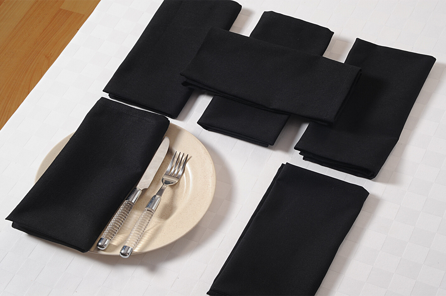 SWAYAM Black Colour Dinner Table Napkin Set