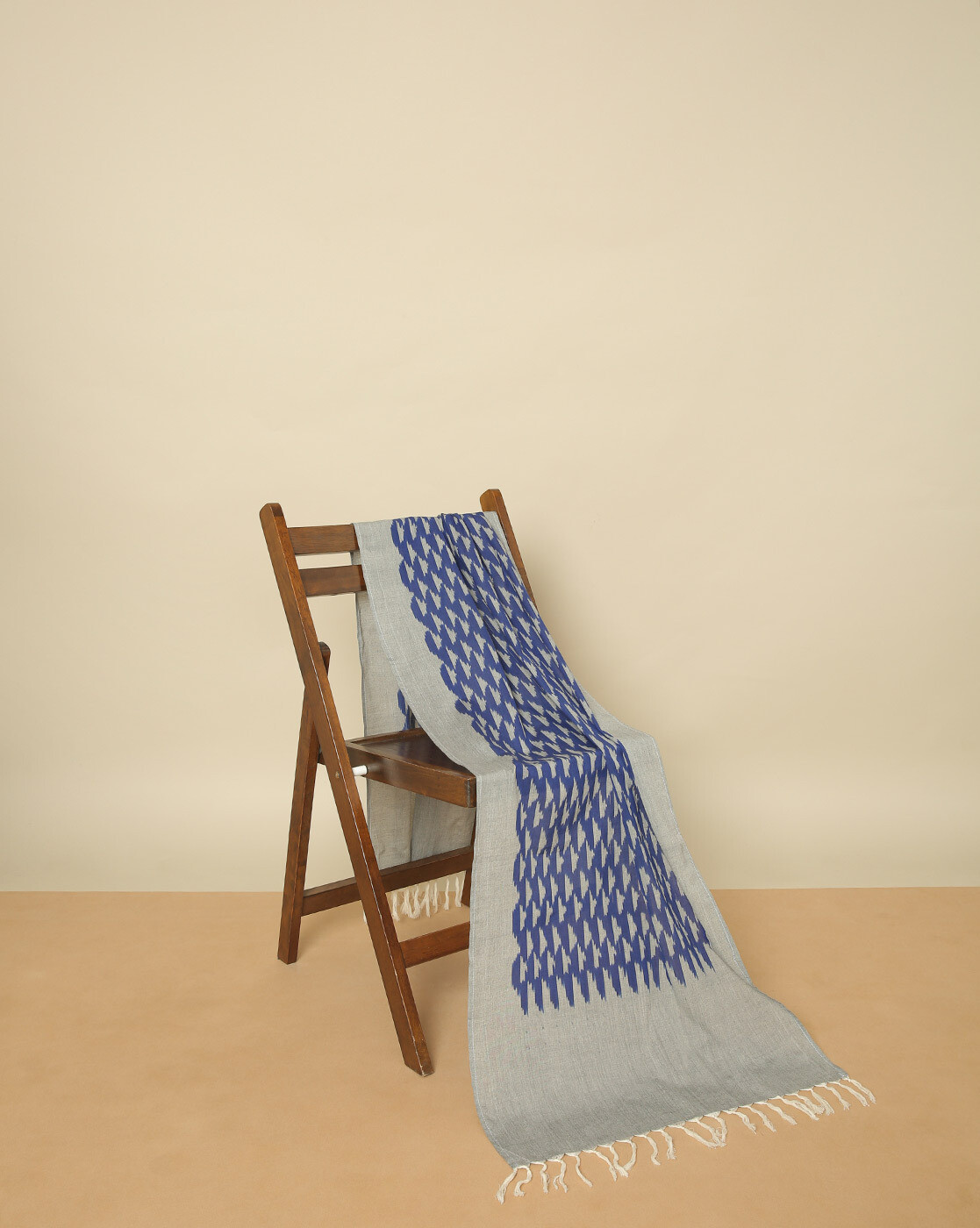 Deepika Govind heritage weave cotton ikath stole