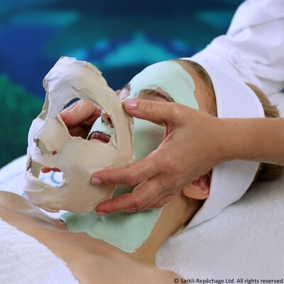 4 Layer Facial Shelftalker