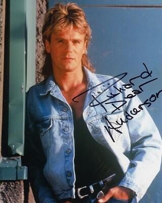 Richard Dean Anderson signed photo with FREE 'MacGyver' license plate!