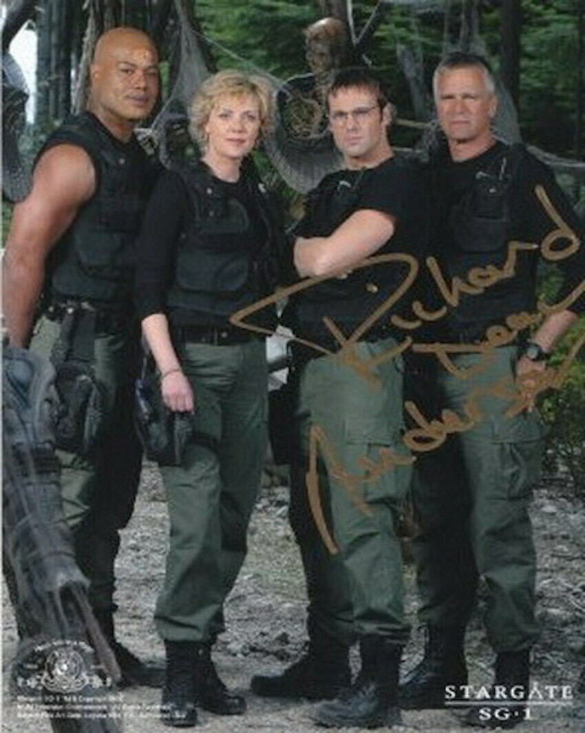 Richard Dean Anderson signed Stargate photo (63302)
