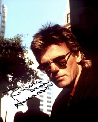 Richard Dean Anderson signed photo with FREE 'MacGyver' license plate.