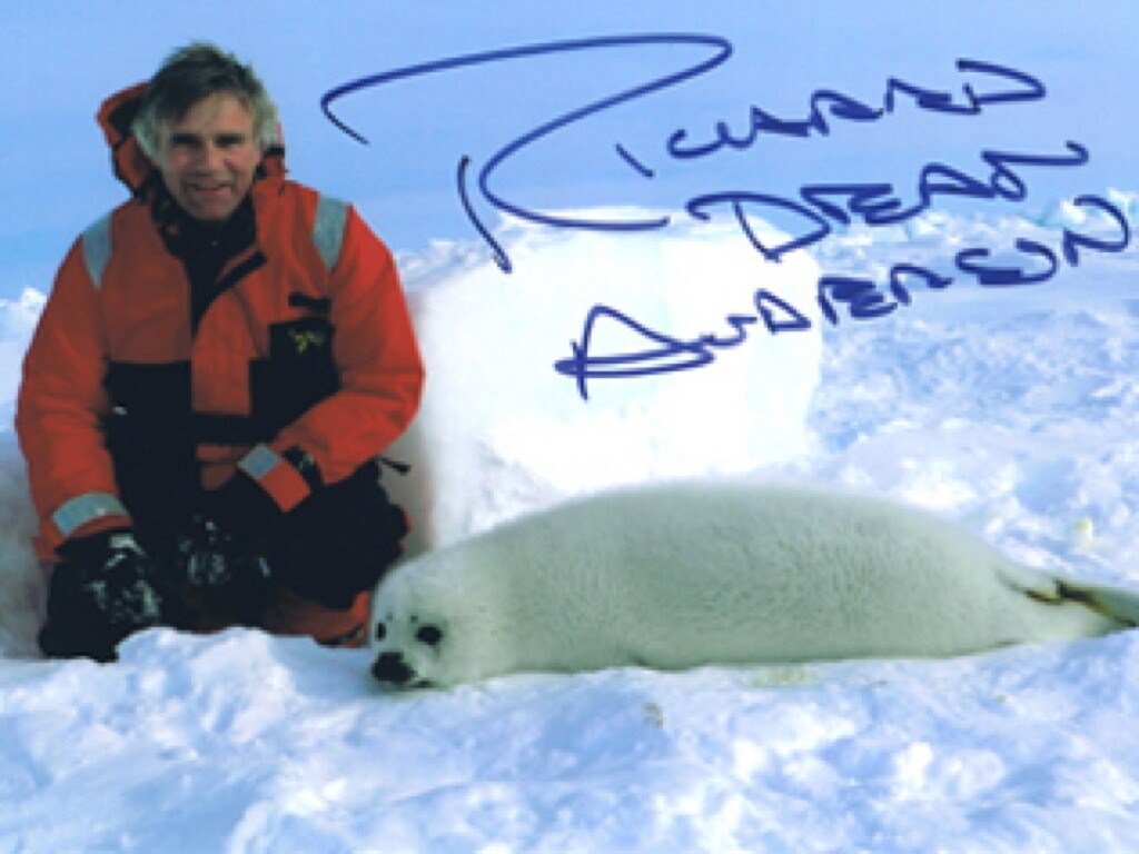 Richard Dean Anderson Signed 'Seal' Photo #19963