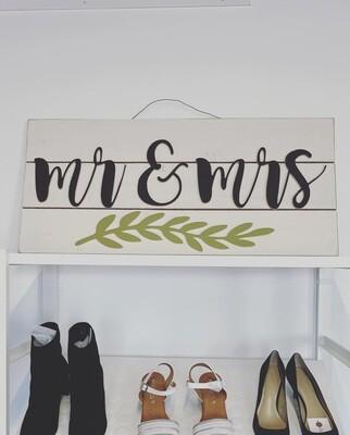 Mr & Mrs Sign - CC
