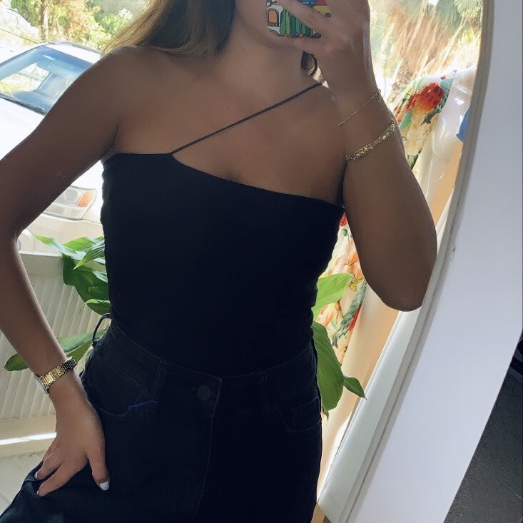 HUNG UP IN BLACK -tube top-