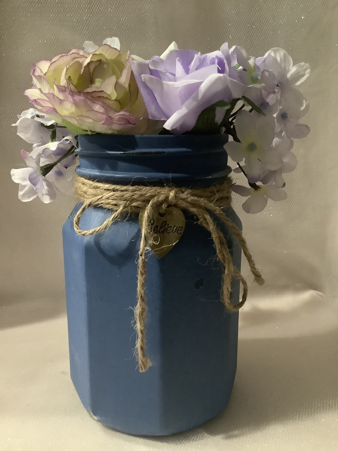 QUART BLUE JAR OCTOGAN WITH FLOWERS AND CHARM