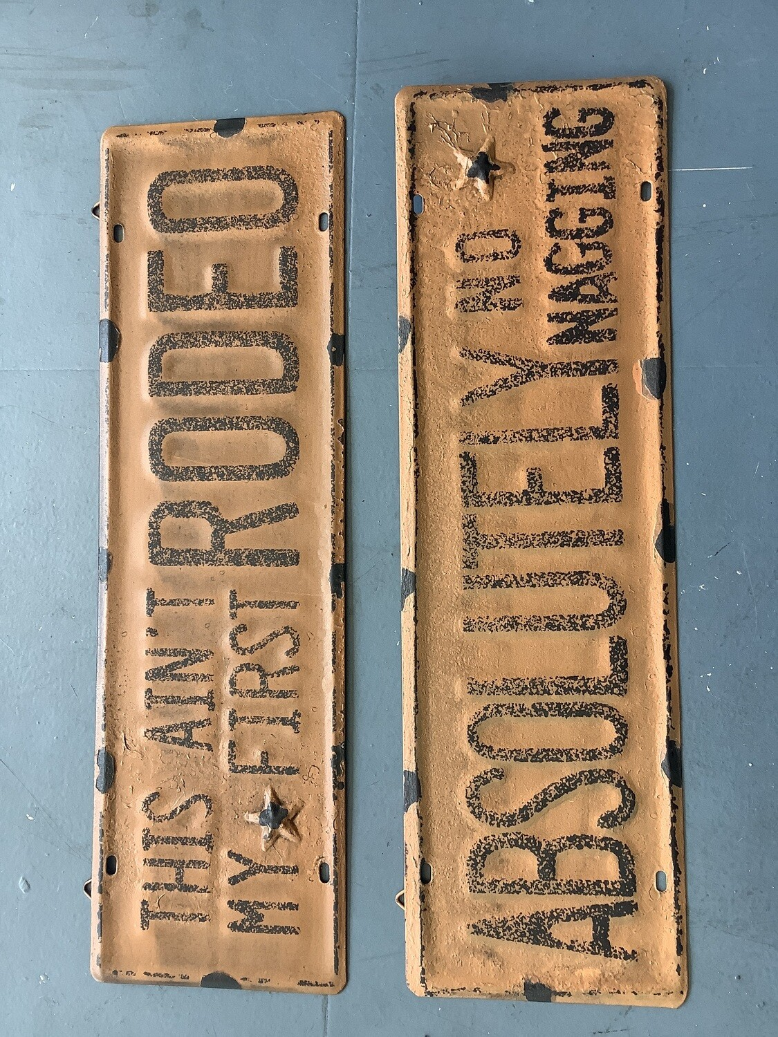 METAL WALL SIGNS ASSORTED