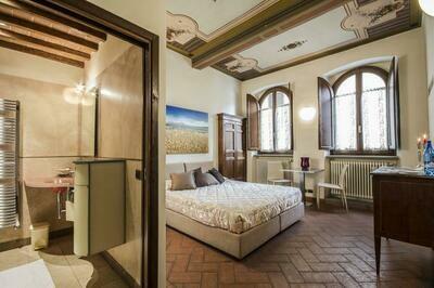 Soggiorno ad Arezzo 2 persone Suite mezza pensione