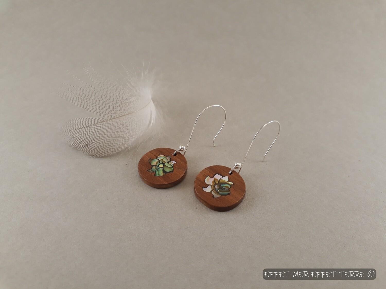 Boucle d'oreille marqueterie fleur