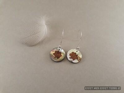 Boucle d'oreille marqueterie fleur bois et nacre