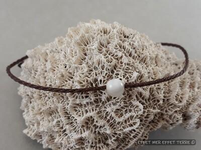 Bracelet macramé marron et une perle nacre blanche