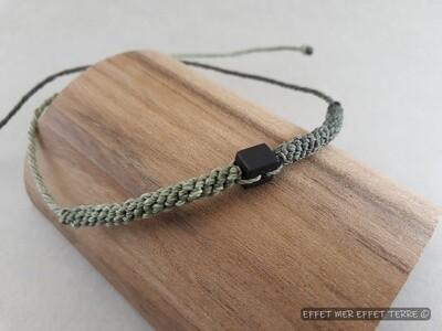 Bracelet macramé 2 verts et ébène