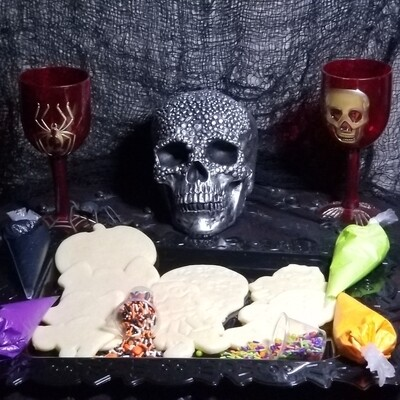 Glowing Halloween Cookie Kit