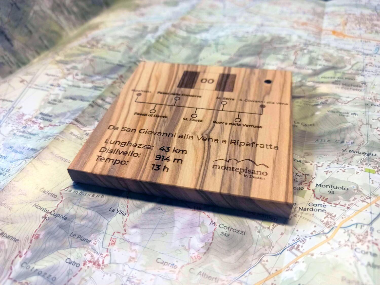 Targhetta 10x10 sentiero collezionabile - In legno di ulivo