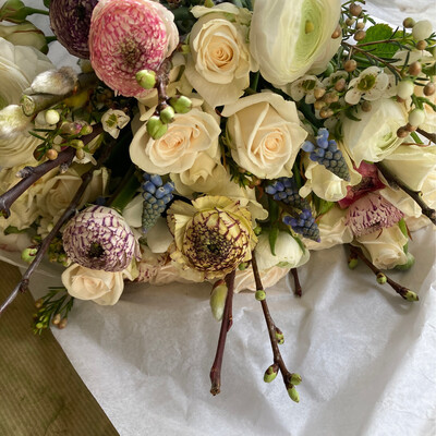 The Garden rose, ranunculus & anemones Bouquet Box