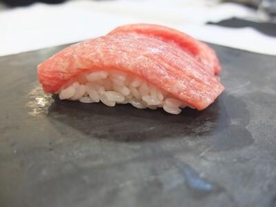 Nigiri de toro de tonyina (2 peces)