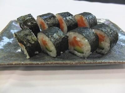 Futomaki Salmó i cogombre (8 peces)