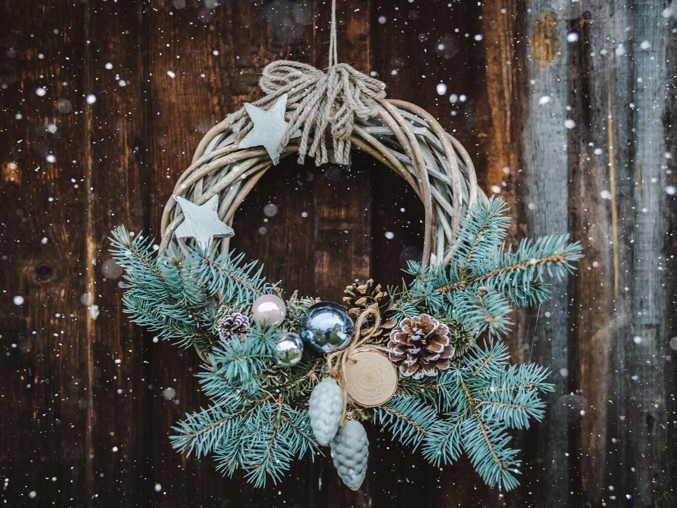 Wicker Christmas Wreath Ring
