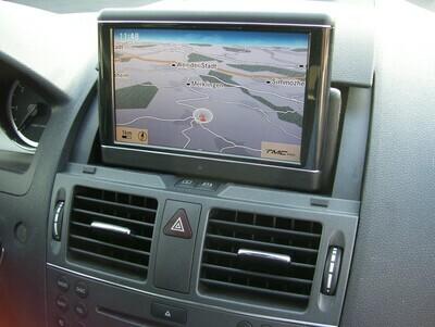 Reparatur Mercedes C-Klasse W204 oder GLK X204 * Klappmonitor Display bleibt dunkel