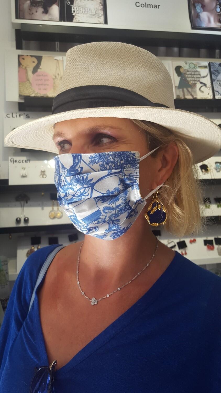 Masques en soie bleu
