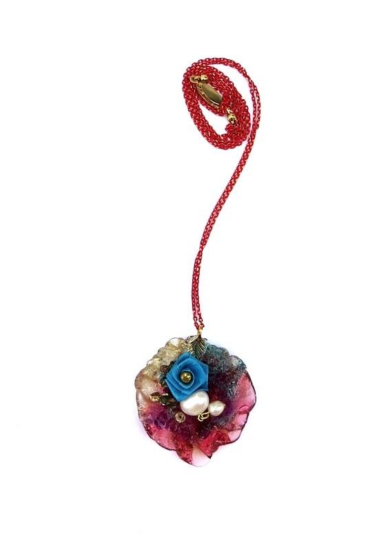 Sautoir perles de culture sur fleur