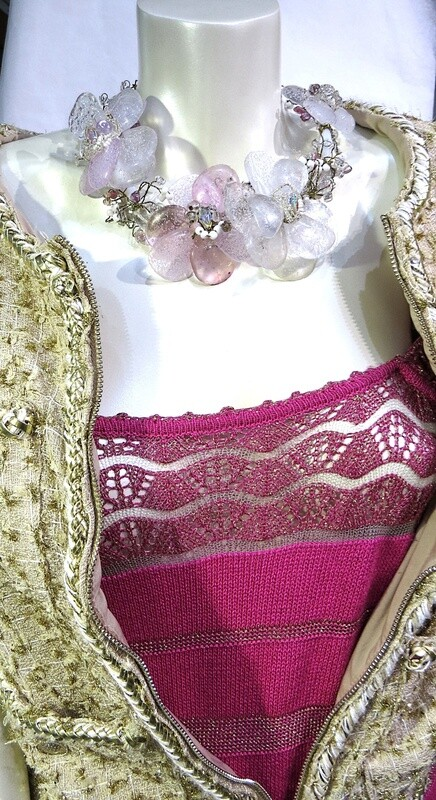 Collier, ras de cou, Anémones, rose Haute Couture
