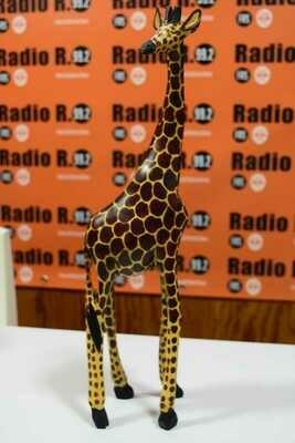 GiraffeSculptureKO003