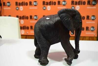 ElephantSculptureKO005