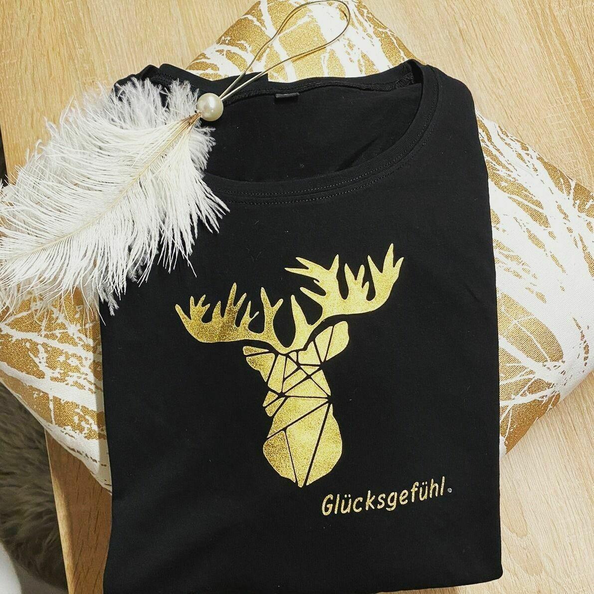 Sportliches Damen T-Shirt mit Rundhals und Hirschmotiv