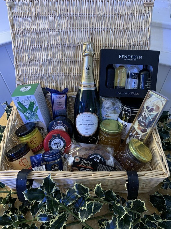 Spiros Luxury Christmas Hamper