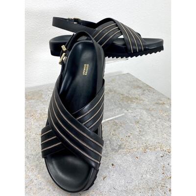 Riemen-Sandale