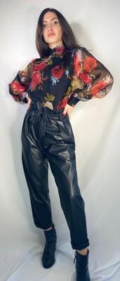 Pantaloni nero ecopelle modello boy friend