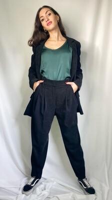 Pantalone nero con tasche a filetto e penches