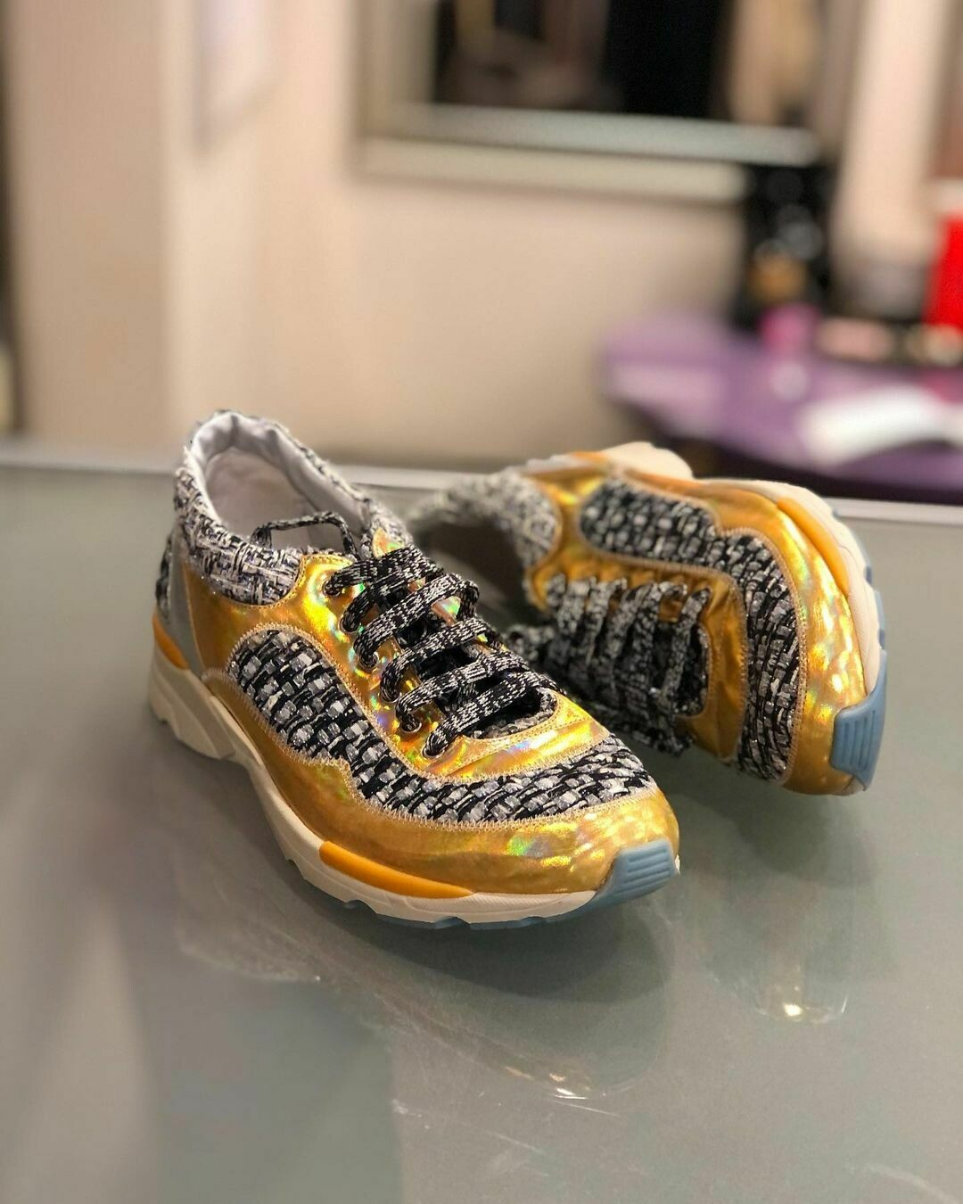 Кроссовки от Chanel