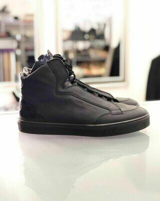 Новые кроссовки от Louis Vuitton