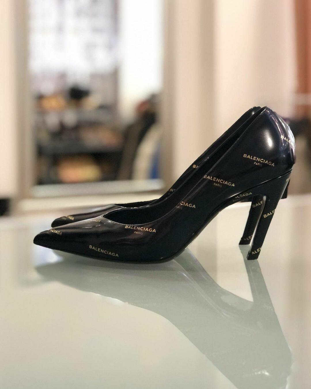 Туфли от BALENCIAGA