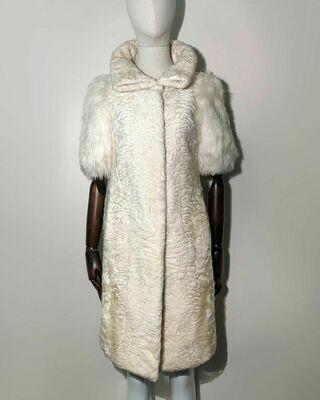 Меховое пальто из каракульчи от Irfe