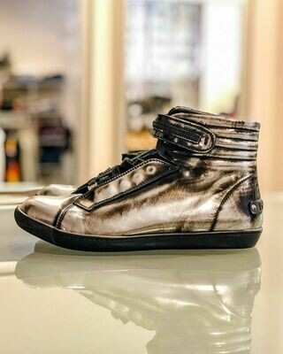 Новые Кеды из металлизированной кожи от Karl Lagerfeld