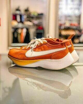 Новые кроссовки от Nike