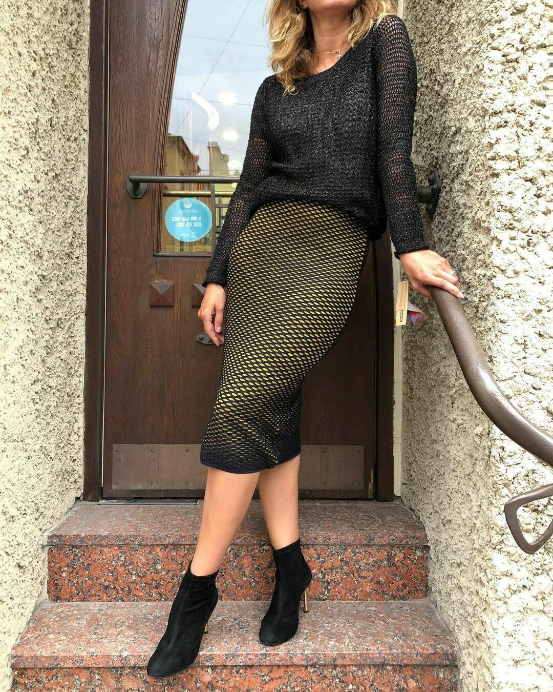 Новый пуловер с ассиметричным низом от DKNY