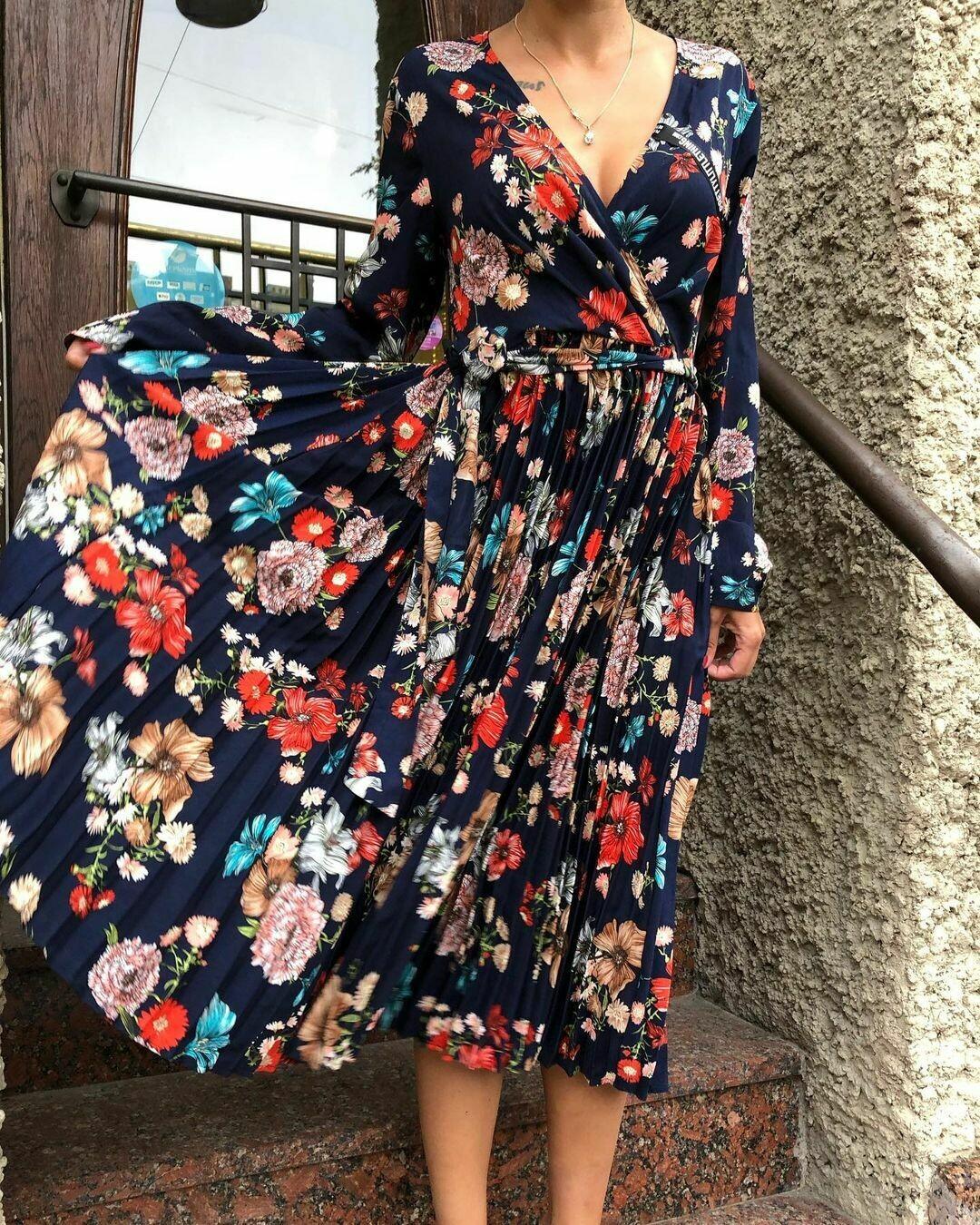 Новое платье от Pretty Little Thing