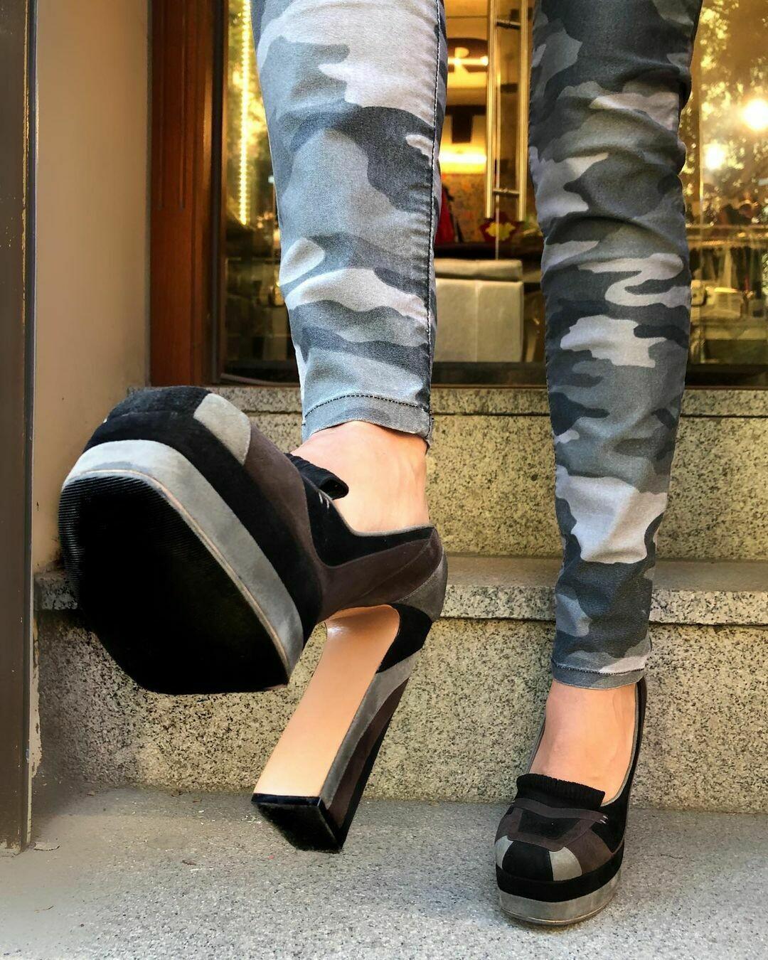 Новые туфли от Rochas