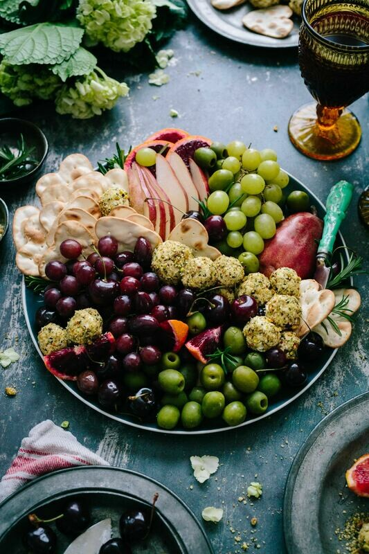Deluxe Cheese, Fruit and Vegetable Board
