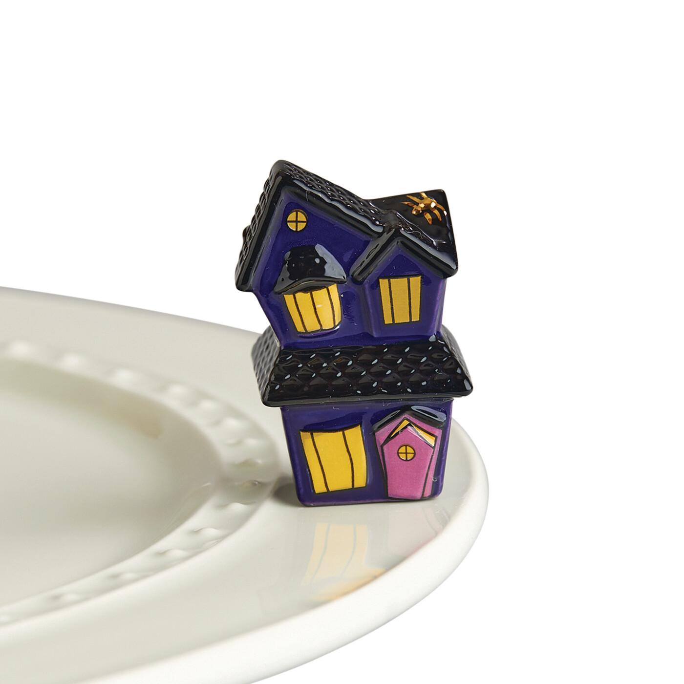 Mini's - Haunted House