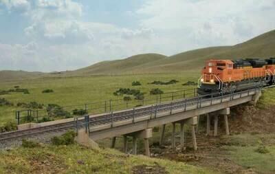 HO Modern Short-Span Concrete Railroad Bridge -- Kit