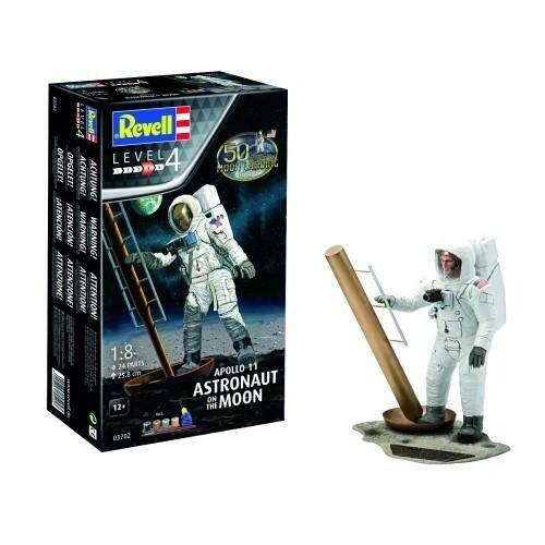 1:8 Apollo 11 Astronaut on the Moon