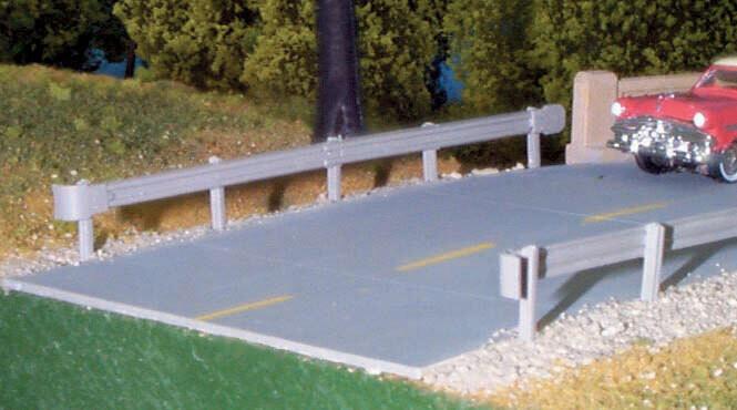 "Highway Guardrail pkg(6) -- 21-1/8"" 53.7cm"
