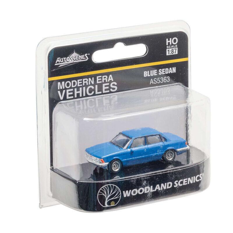 HO Blue Sedan