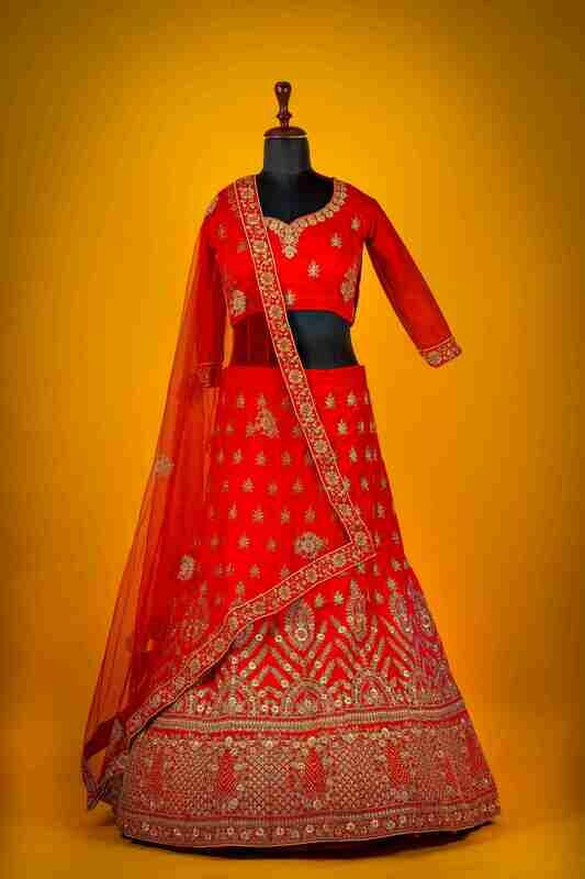 Heavy Bridal Wear Raw Silk Lehenga In Red